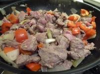 Foto van rundsvlees in de wok