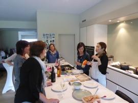 Foto van uitleg tijdens Thaise kookworkshop