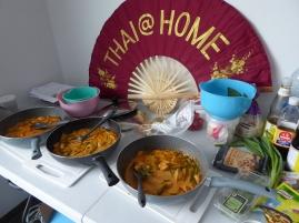 Foto van tafel met Thaise curries