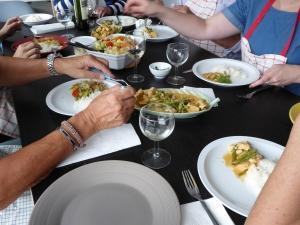 Foto van thais eten aan tafel