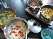 Foto van kookpotten met Thais eten