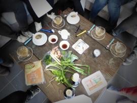 Foto van Thaise ingrediënten op houten tafel