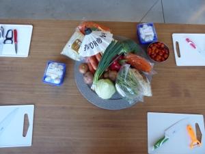 Tafel met ingrediënten voor Thaise kookles