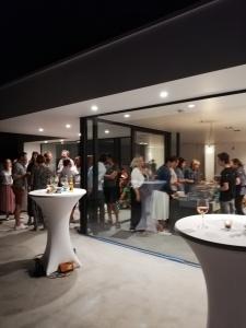 Moderne woning met feest