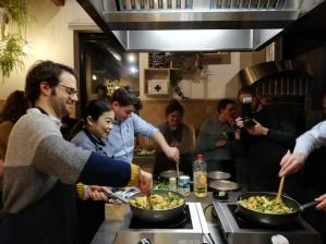 Samen aan de wok